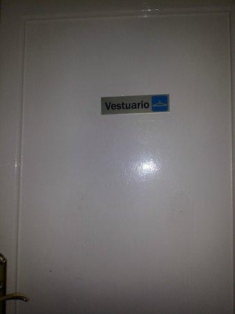 Hostel Muntaner: Puerta de la habitación