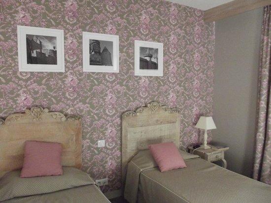 Hôtel  L'ARAGON : Bedroom