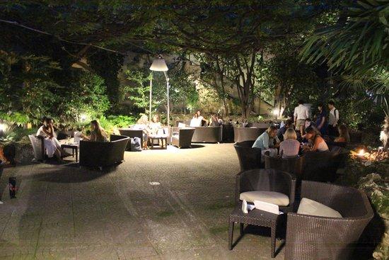 Sheraton Diana Majestic Hotel: inviting patio/terrace