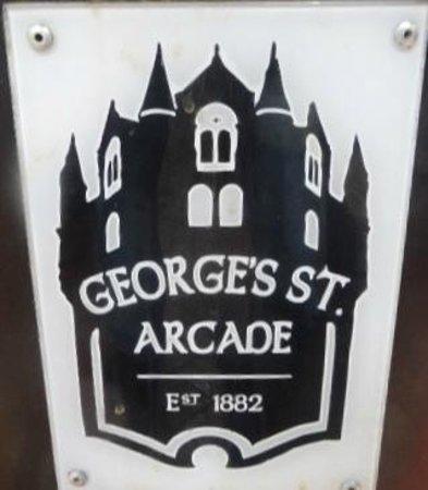 St. George's Market: ENTRANCE