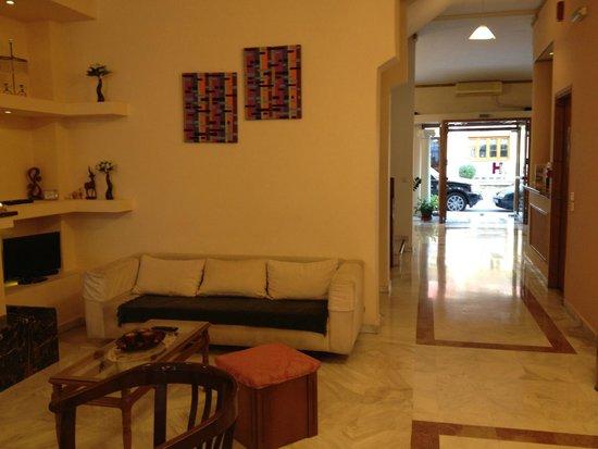 Alexiou Hotel: L'area colazione