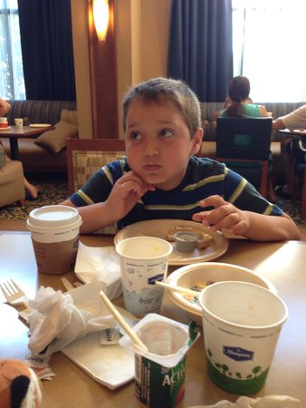 Hampton Inn & Suites Ephrata - Mountain Springs: Breakfast!