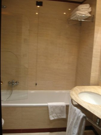 Hotel Capannelle: Bathroom