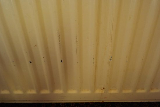 Harem Hotel: the heating radiator hadn't been painted in years