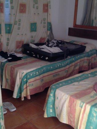 Cala Llenya Resort Ibiza: bedroom