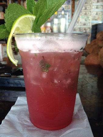 Rum Runners: These Raspberry Mojitos were mouth watering delicious��