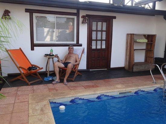 Petit Hotel Si Mi Capitan: lindo lugar al aire libre bordeando la pileta
