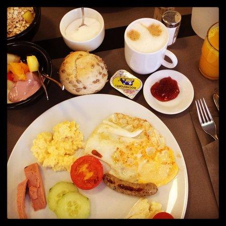 Beaumont Maastricht: Breakfast