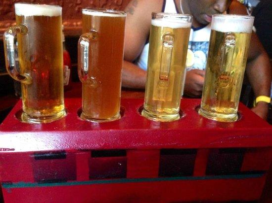 Broadway Grille & Pub: Beer sampler