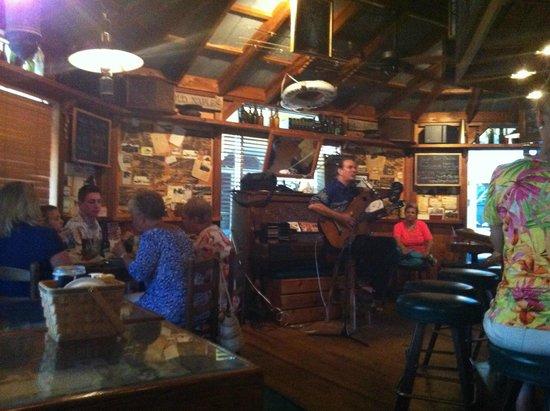 Old Naples Pub: Super ambiance