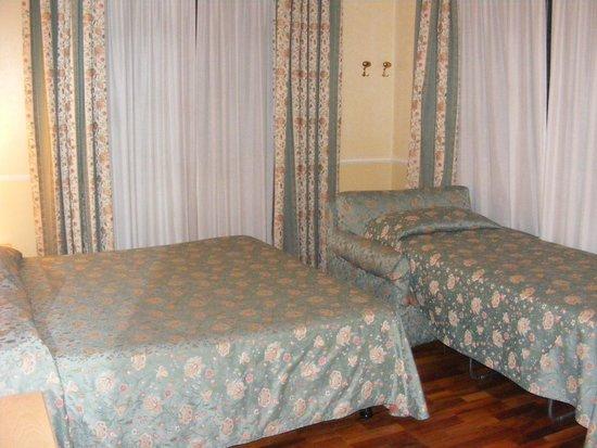 Hotel Santa Costanza: Triple room