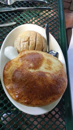 Landmark Cafe: Chicken pot pie