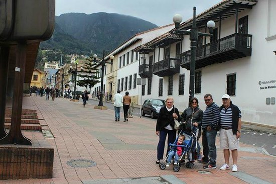 Embassy Suites by Hilton Bogota-Rosales: barrio viejo