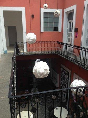 Hostel Casona Poblana: inside walk way