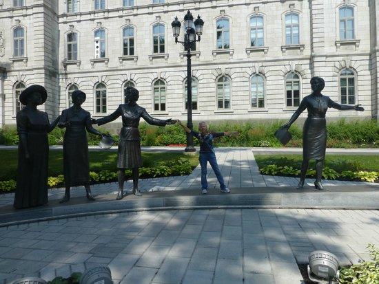 Parliament Building (Hotel du Parlement) : famous women of history