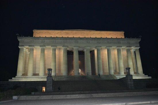 Jefferson Memorial: Enorme