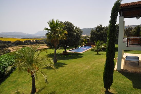 The Lodge Ronda: Garden and Pool