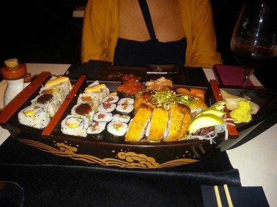 Santiagokyoto: Sushi variado