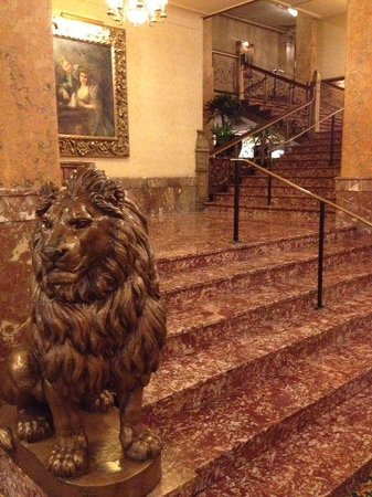 The Pfister Hotel: Lobby lions guard the elegant winding staircase