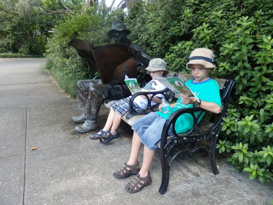 Brookgreen Gardens: Just reading the paper
