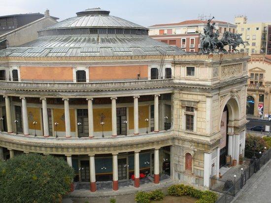 Politeama Palace Hotel: Teatro Politeama