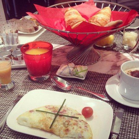 Sofitel Brussels Le Louise : Petit déjeuner avec omelette blanche.