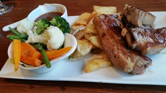 The Red Lion: Nice Lamb chops