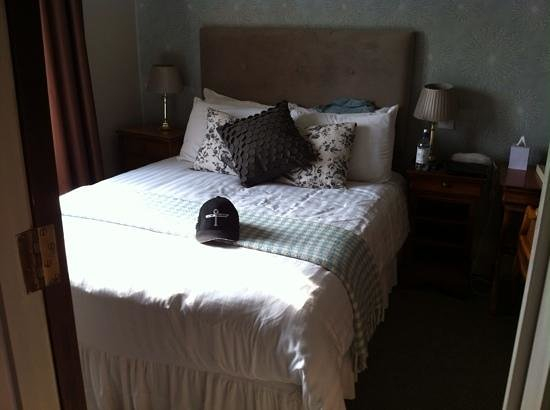 The Alverton: is this really a double bed?