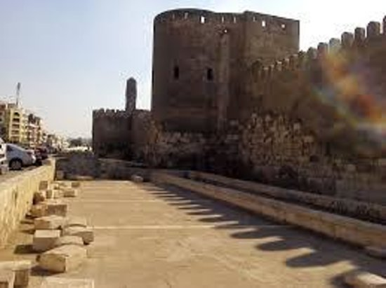 Islamic Cairo: باب النصر