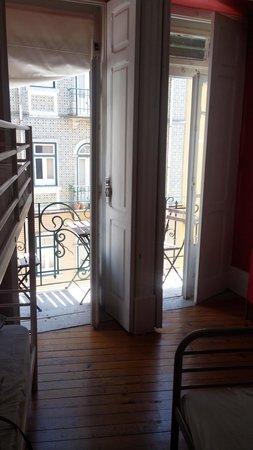 Chambre 4 personnes photo de lisbon chillout hostel for Chambre 4 personnes