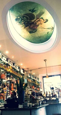 LA FABRICA RESTAURANTE: Awesome fresco in ceiling