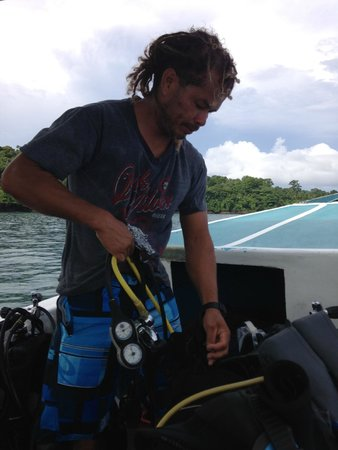 Osa Divers: getting the gear ready. he did everything. very thorough.