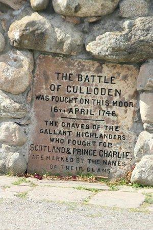 Culloden Battlefield: Memorial sign