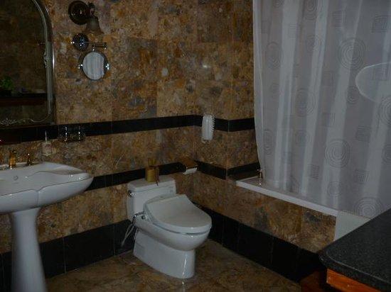 Hotel Majestic Saigon: bathroom