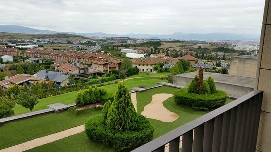 Castillo Gorraiz Hotel Golf & Spa : Gardens and Pamplona in the background
