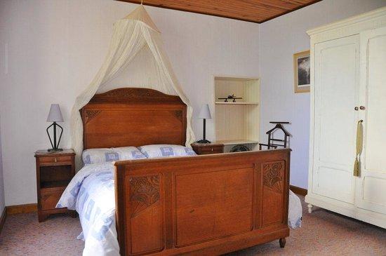 La Chabotterie Chambres d'Hotes : thr suite bedroom
