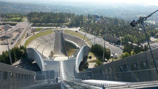 Schisprungschanze und Schimuseum am Holmenkollen: pista