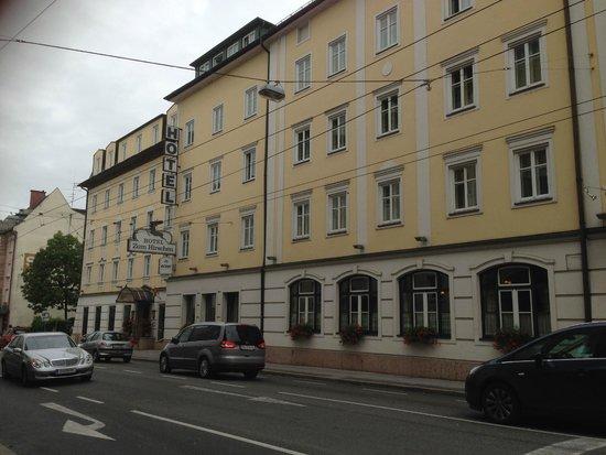 ACHAT Plaza Zum Hirschen: Front of hotel