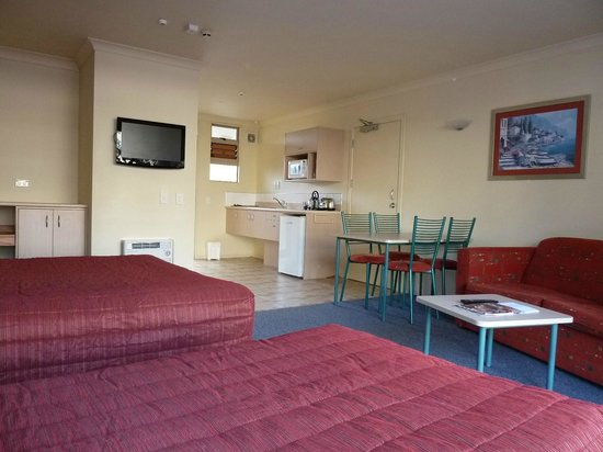 Raglan Sunset Motel: Family large studio unit