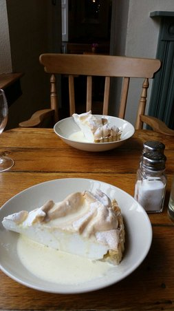 The Good Earth: Lemon merangue pie
