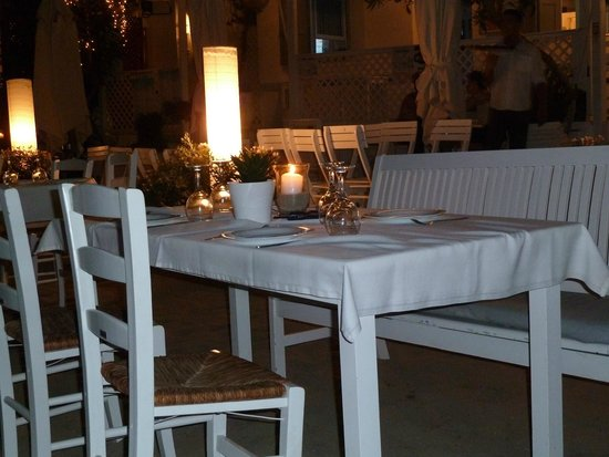 Mare Mare Restaurant: Table is ready for dinner :))