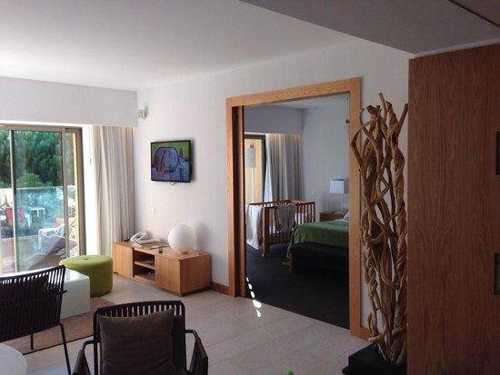 EPIC SANA Algarve Hotel: Appartment deluxe, mit 2 Kindern perfekt. Riesiger Balkon. Mit toller Küche, 2x Toilette, 2x Fer