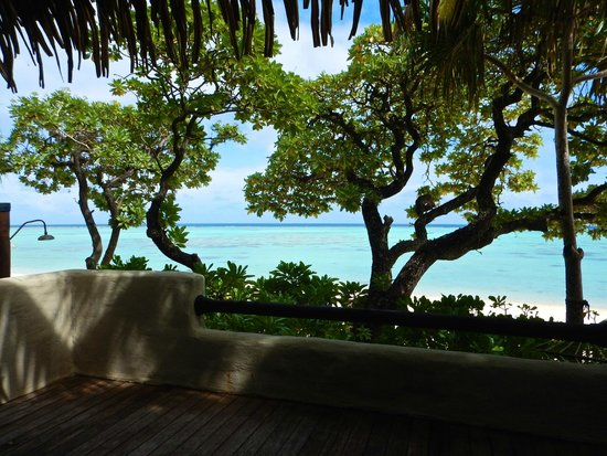 Pacific Resort Aitutaki: view from deck - fantastic