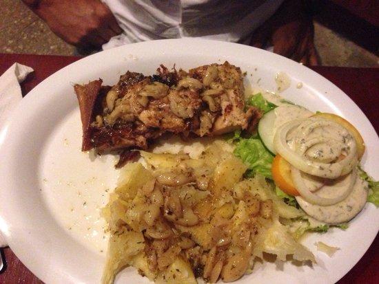 Porkys House: Cochon de lait et yucca