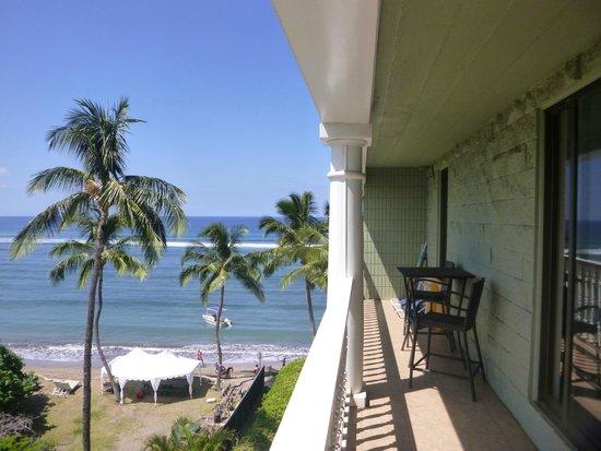Lahaina Shores Beach Resort: View from the lanai