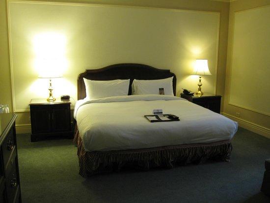Fairmont Hotel Vancouver: Large