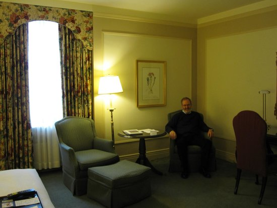 Fairmont Hotel Vancouver: Well appointed