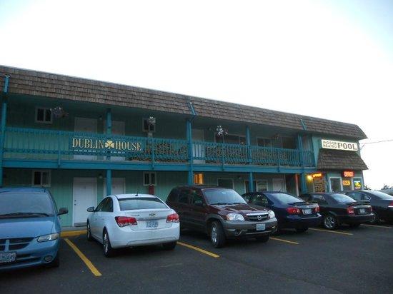 The Dublin House Motel: Dublin House Motel exterior