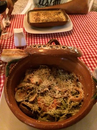 PapaCharly Pasta Factory : Fettucine frutti di mare & cannelloni Papacharly