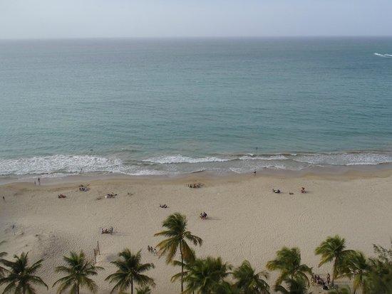 Pine Grove Beach: Isla Verde